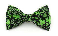 Luck of the Irish St Patricks Day Green Seersucker Clover Dog Bow Tie