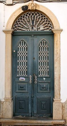 Porta by carlosoliveirareis, via Flickr