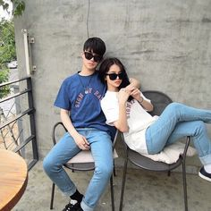 Image about love in Ulzzang Couple by ameninacolorida Couple Ulzzang, Ulzzang Girl, Couple Posing, Couple Shoot, Cute Couples Goals, Couple Goals, Ulzzang Fashion, Korean Fashion, Couple Avatar