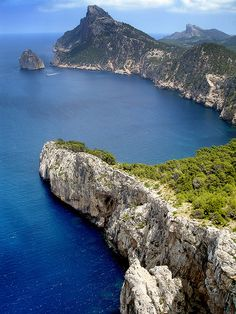 Cabo de Formentor, Mallorca. Spain @Kat Ellis Hamilton this is where i could be!