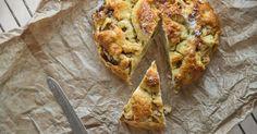 Tradicionalmente associado à Páscoa, este bolo pode ser apreciado em qualquer altura do ano. Difícil é comer apenas uma fatia