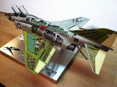 Tamiya 1/32 F4 Phantom 2 Cutaway..scratch built engines.