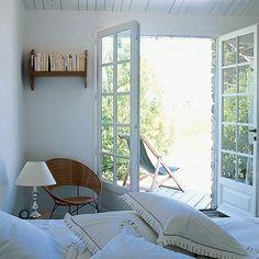 La chambre ouverte sur la terrasse
