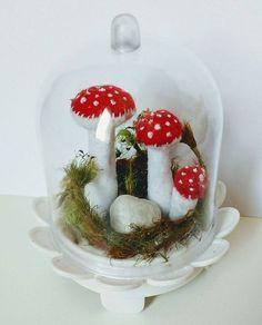 Reposting @maricotasartesanatos: Cogumelos na cúpula  Orçamento WhatsApp: (11)956360103  #cogumelo  #cogumeloemfeltro #cogumelonacupula #cugumelos  #arte #artesanatoemfeltro  #artesanatos  #lembrancinha  #bio #biologia #biologo #decoracaodefesta  #decoracao #presente #respirafungo #amanita #amanitamuscaria #micologia #agaricales Topper, Communion, Snow Globes, Cricut, Baby Shower, Decorations, Halloween, Children, Cards