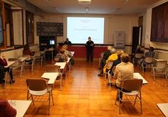 Efectes jurídics derivats de la Covid-19 Conference Room, Table, Furniture, Home Decor, Day Planners, Life, Decoration Home, Room Decor, Tables