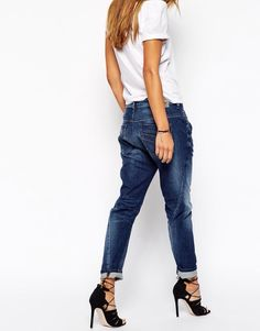 Shop Diesel Fayza Boyfriend Jeans at ASOS. Summer Outfits Women 20s, Winter Outfits, Casual Summer Outfits, Boyfriend Jeans Outfit Summer, Jeans And Heals, Diesel, Autumn Street Style, Casual Jeans, Jean Outfits