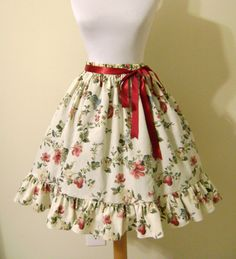 An awesome tutorial on sewing your own basic Lolita skirt.