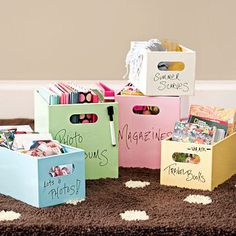 These dry erase storage bins would be perfect for keeping all the papers, books, and binders organized. I love the fact that you can write on them! Diy Room Decor, Bedroom Decor, Room Decorations, Bedroom Hacks, Home Decor, Bedroom Ideas, Binder Organization, Organisation, Awesome Bedrooms