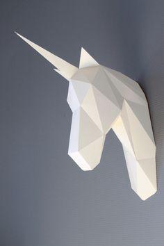 Trophée tête de licorne, DIY kit. Licorne en papier à monter soi-même, par SculPaper Shop sur DaWanda.com <3