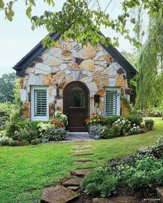 Cottage living, little cottages, small cottages, cabins and cottages, littl Style Cottage, Cute Cottage, Cottage Living, Cottage Ideas, Cottage Bedrooms, Little Cottages, Small Cottages, Cabins And Cottages, Small Houses