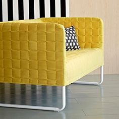 Canapé jaune Knopparp d'IKEA