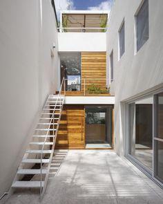 Casa Cinco Patios  / Ana Rascovsky Arqs.