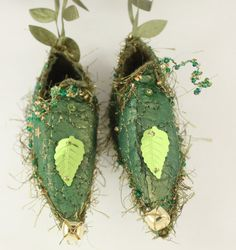 Fairy Shoes forest moss green and gold with leaf belong to Mossy Grove Faerie. $35.00, via Etsy.