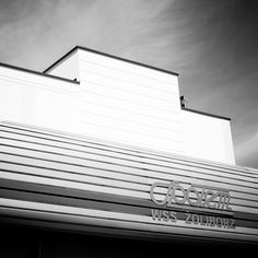 Stupid Colors #architecture #photography #black&white #minimalistic #minimal