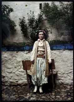 A young Albanian girl from Prizren, of photography in this early color autochrome Lumière brothers developed technique was used. Vintage Photographs, Vintage Photos, Antique Photos, Old Photos, Old Pictures, Albert Kahn, Subtractive Color, August Sander, Folk Costume