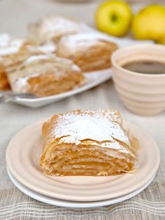 Good Food, Yummy Food, Romanian Food, Eat Dessert First, Strudel, Dessert Recipes, Desserts, Apple Recipes, Food And Drink