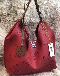 Womens Fashion New LV Collection For Louis Vuitton Handbags Source by liuqiangclarissa vuitton nails Mochila Louis Vuitton, Louis Vuitton Crossbody, Louis Vuitton Handbags, Purses And Handbags, Pink Handbags, Cheap Handbags, Crossbody Bag, Luxury Handbags, Fashion Handbags