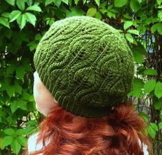 Fall always makes me feel like knitting! If the same applies to you, check out these 14 free fall knitting patterns - time to break out the double points!