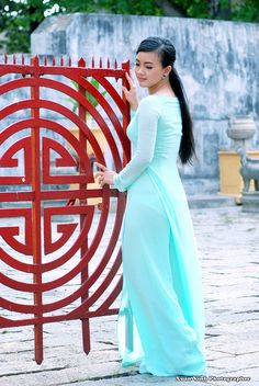 Sexy Outfits, Sexy Dresses, Beautiful Dresses, Nice Dresses, Vietnamese Clothing, Vietnamese Dress, Vietnamese Traditional Dress, Traditional Dresses, Ao Dai