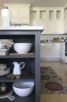 week 5 kitchen renovation progress week 5 kitchen renovation progress Pin: 564 x 856 Farmhouse Kitchen Island, Modern Farmhouse Kitchens, Home Crafts, Diy Home Decor, Room Decor, Layout, Painting Cabinets, Diy On A Budget, Home Improvement Projects