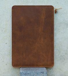 Leder Tasche für Kindle - AMARETTINI von filzstueck auf DaWanda.com   #AmazonKindle #KindlePaperwhite #KindleVoyage #PaperwhiteTasche #VoyageTasche #PaperwhiteHülle #VoyageHülle