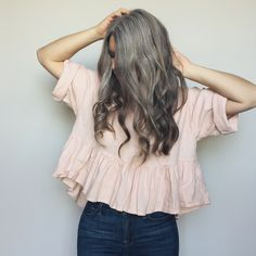 Cheveux gris - Won't tame this mane - Cheveux Grey Hair Don't Care, Long Gray Hair, Silver Grey Hair, White Hair, Mom Hairstyles, Pretty Hairstyles, Grey Hair Inspiration, Gray Hair Growing Out, Salt And Pepper Hair
