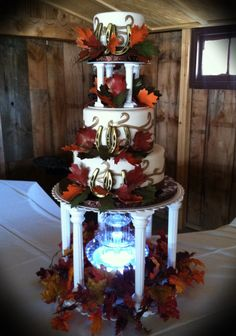Western Wedding cake...love this, super cute will be without the leaves but with fall color roses
