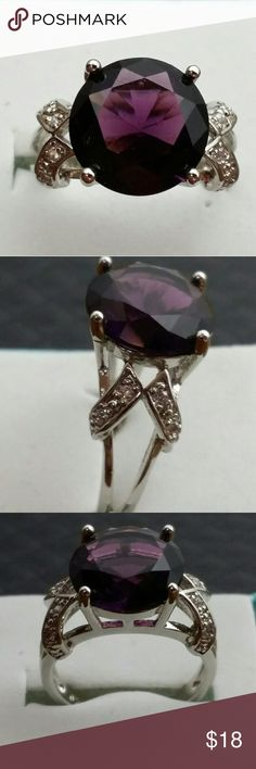 New Amethyst ring 925 silver Amethyst round cut and white topaz in a size 7 Jewelry Rings