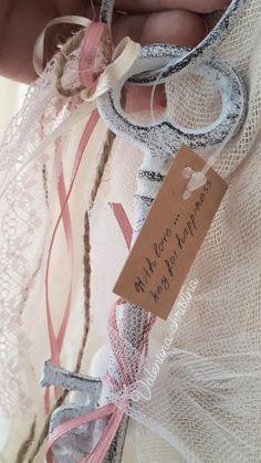 Πρωτότυπες μπομπονιέρες γάμου μεταλλικό κλειδί της αγάπης by valentina-christina handmade products Καλέστε 2105157506 #mpomponieres #mpomponieresgamou#βάφτιση#μπομπονιερα #μπομπονιέρες #μπομπονιερες#valentinachristina #vaptism#athens#greece#handmade#vaptisi #christeningfavors#greek#greekdesigners#handmadeingreece#greekproducts #μπομπονιερες_γαμου#weddingfavors #baptismfavors