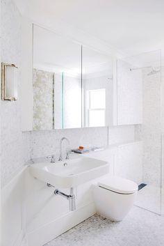 Chameleon, Bathtub, Studio, Bathroom, Interior, House, Standing Bath, Washroom, Bathtubs