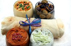 Pita with Hummus, Greek Yogurt-Cucumber Dip, Roasted Pepper Dip and Marinated Olives Lebanese Recipes, Greek Recipes, Dip Recipes, Palestinian Food, Come Dine With Me, Feel Good Food, Dinner Themes, Mediterranean Dishes, Food Inspiration