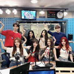 johnny and jaehyun Winwin, Taeyong, Jaehyun, Kpop Girl Groups, Kpop Girls, Nct 127, Kpop Couples, Like A Lion, Fandom