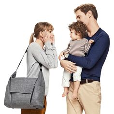 Stokke introduces a brand new changing bag for our premium line of strollers. Designed especially so that you can stroll in style and ease while exploring the world together, our designers have put a lot thought into it.