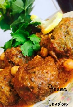 tajine de boulettes viande hachee epinards 1 Plats Ramadan, Ramadan Recipes, Culinary Arts, Tandoori Chicken, Good Food, Lunch, Sashimi, Couscous, Chefs