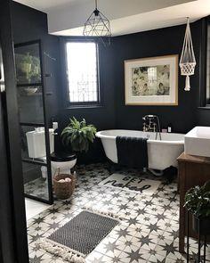 Diy Vintage Home Decor Upstairs Bathrooms, Dream Bathrooms, Beautiful Bathrooms, Hotel Bathrooms, Bad Inspiration, Bathroom Inspiration, Bathroom Interior Design, Interior Exterior, Edwardian Bathroom