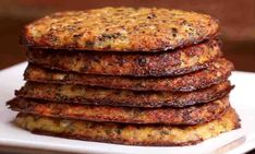 Hash Browns Cauliflower Hashbrowns -- get a dose of veggies this morning!Cauliflower Hashbrowns -- get a dose of veggies this morning! Low Carb Recipes, Vegetarian Recipes, Cooking Recipes, Healthy Recipes, Cauliflower Hash Brown Recipe, Cauliflower Recipes, Cauliflower Patties, Cauliflower Pizza, Cauliflower Fritters