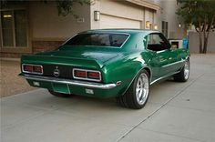 1968 Camaro While it is true of which Muscle Car or truck is an National 1968 Camaro Ss, Chevrolet Camaro, Old American Cars, American Muscle Cars, Classic Camaro, Car Man Cave, Good Looking Cars, Chevy Girl, Motor Car