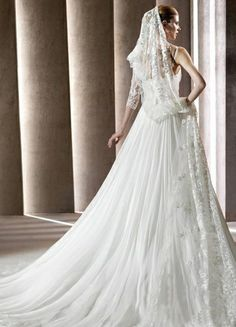 Cheap Bridal Shop 2013 Elegant Spaghtti Strapes Ruffles Organza Wedding Dress