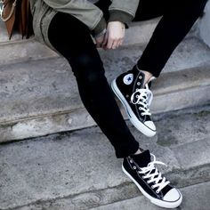 a8dc8545508d5e 12 provas de que o Chuck Taylor All Star deixa qualquer look cool How To  Lace
