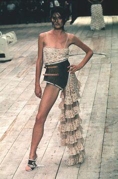 Alexander McQueen - Spring/Summer 1999 | Flickr - Photo Sharing!