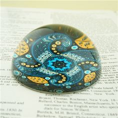 This colorful glass paperweights is in a fashion look. The back is finished with a water resistant sealer for durability.  They are good option for office decoration gifts, wedding gifts, souvenir gifts and promotional gifts. Our unique paperweights have a wide range of colors, designs and themes. We can also customize your own design on the paper weights. Personalized wedding info, famous place photo, and brand logo can be printed on this glass item.