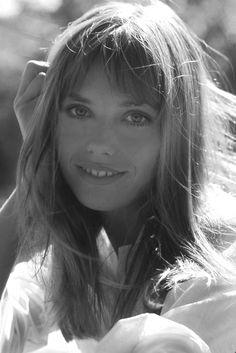 Jane Mallory Birkin ist eine britische Schauspielerin und Sängerin. Sie lebt seit Ende der 1960er Jahre in der Bretagne in der Nähe von Saint-Pabu.