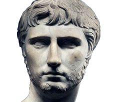 Augusto avrebbe voluto come suo erede Caio Vipsanio Agrippa (qui in un ritratto proprietà della Fondazione Sorgente Group acquistato nel 2013), nato da sua figlia Giulia e dal suo amico Agrippa: scambiava con lui lettere cifrate e lo adottò con l'ambiziosissimo nome di Caio Giulio Cesare. La morte del giovane principe a soli 24 anni nel 4 d.C., che seguì di poco quella altrettanto immatura del fratello Lucio, costrinse Augusto e ripiegare, controvoglia, su Tiberio