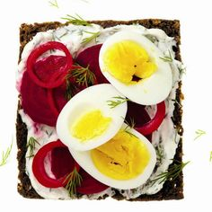 Must remember to make a dark bread sandwich in Sweden! Found a recipe with red onion, 1/4 cup red wine vinegar, greek yogurt, fresh dill, smoked trout, cucumber and lemon on dark bread.