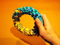 Create this two-tone ring dog toy by combining two lengths of the basic 4 strand crown knot. Easily adjust the size and scale of this toy based on the rope&nbs...