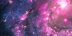 Messier 83 (ou M83 ou NGC5236) é uma galáxia espiral barrada aproximadamente a 15 milhões de anos-luz da Terra, na constelação de Hidra. O observatório de Raio-X Chandra, da NASA, descobriu uma explosão extraordinária em um buraco negro nesta galáxia.