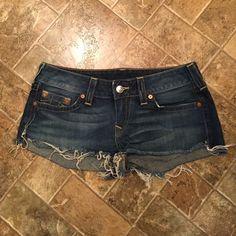 True Religion Daisy Dukes Who wears short shorts?! Bobby cut off shorts with frayed seams. Size 32 True Religion Shorts
