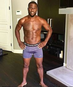 Welcome to Blog Xploral: Kevin Hart shows off his eggplant in new underwear...