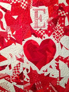 "close up, ""I'm Misty For Red"" by Yvonne Porcella : 2014 Houston International Quilt Festival, Ruby Jubilee exhibit"