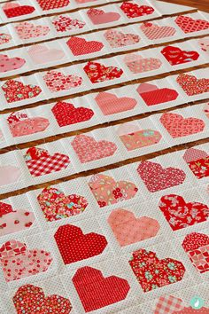 Welcome to week 4 of the Down Memory Lane Quilt-Along. This week we will be focusing on the quilt top assembly and preparing the quilt for its borders. Heart Quilt Pattern, Easy Quilt Patterns, Heart Patterns, Sewing Patterns, Sewing Ideas, Antique Quilts, Vintage Quilts, Quilting Tips, Quilting Projects